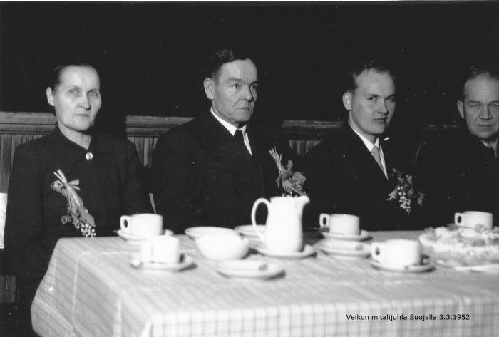 Veikko Hakulinen Haapamäen Suojalla v. 1952.jpg