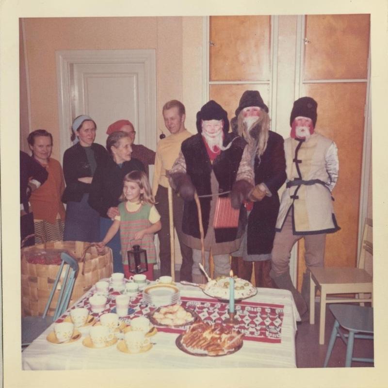 Joulupukkeja Häkkisessä 1960-luvun lopulta.jpg