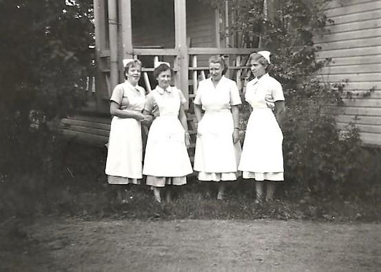 Keuruun kunnansairaalasta henkilökuntaa.jpg