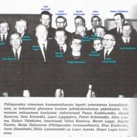 Pihlajaveden viimeinen kunnanvaltuusto_oikeat nimet kirjoitettu sinisävyillä kuvaan.jpg