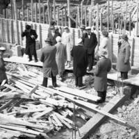Yhteiskoulun peruskiven muuraus vappuna 1960