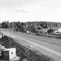 Kesäinen kuva Lapinsalmen sillasta