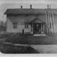 Rauhala Keuruu, kesä 1910, oik. Maisi Forsman. Foto Aarne Forsman..jpg